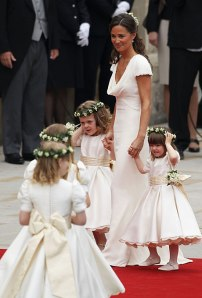 pippa-middletons-bridesmaid-dress-royal-wedding-look-001